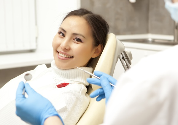 Comparing  Professional Teeth Whitening Options From A Cosmetic Dentist